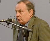 Il friulano Guido Crainz (foto) docente di storia contemporanea a Teramo, chiamato a tenere una lectio magistralis all'Oratorio del Cristo, ... - 23046901