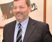Guido Grimaldi quando è venuto a trovarmi, è necessario che la sua azienda si confronti con il territorio senza tentare di giungere alla firma di una ... - 23532033